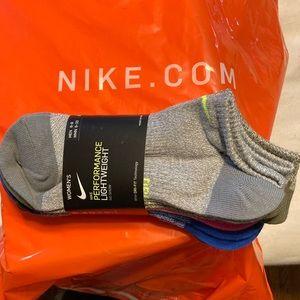 NWT Nike performance lightweight socks